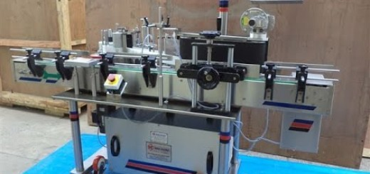 High Speed Sticker Labeling Machine 100 BPM, 200 BPM, 300 BPM