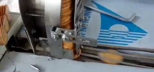 Horizontal Biscuits flow packing machine with automatic feeding